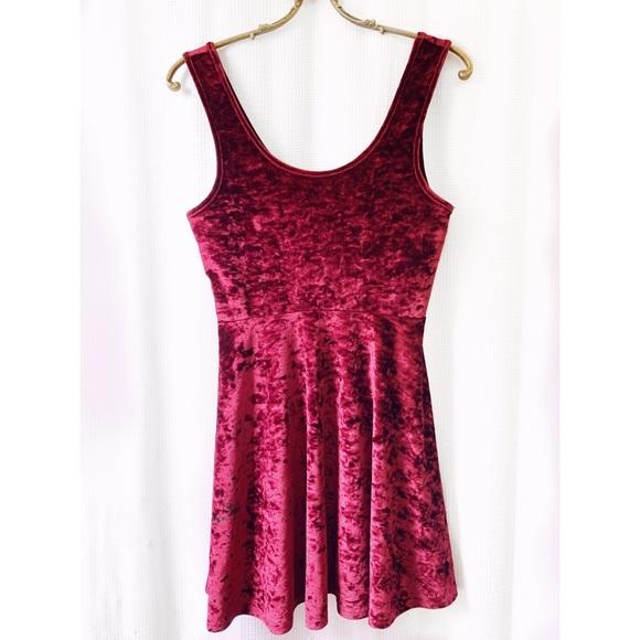 Topshop Dresses & Skirts - Topshop maroon crushed velvet skater dress